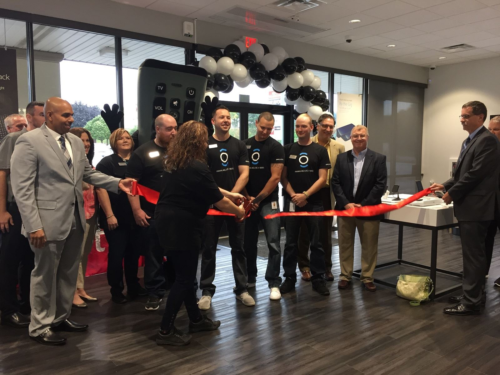 COMCAST CELEBRATES GRAND OPENING OF XFINITY STORE IN NORTH FAYETTE